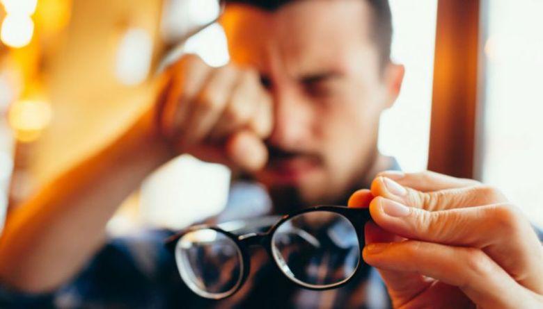 miopia-astigmatismo-problema-de-visao-0517-1400x800