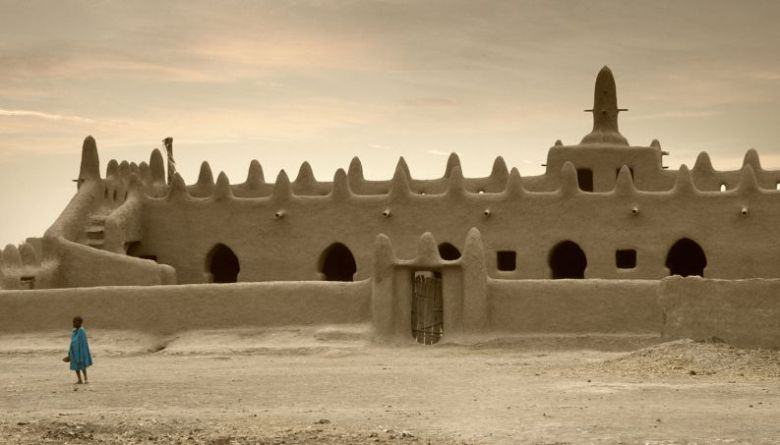 mesquita-de-djenne-1017-1400x800